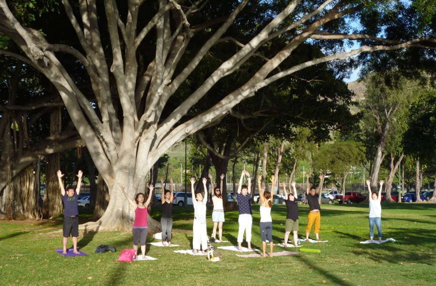 Waikiki sunset yoga class Honolulu