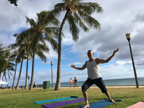 Waikiki Queen S Surf Beach Yoga Class On Wed Sat 9am 5 30pm